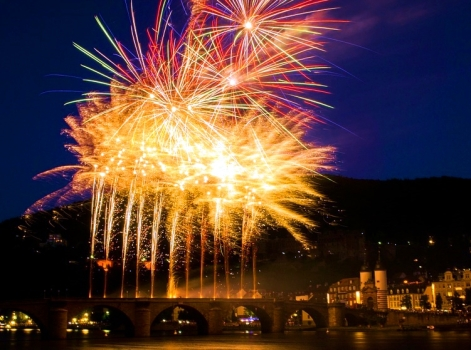 fireworks-365013_960_720